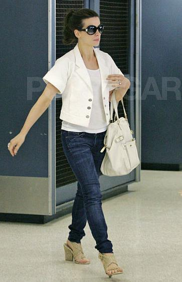 kate-beckinsales-downtown-tote.jpg