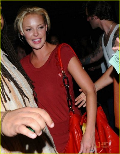 katherine-heigl-hotel-cafe-04.jpg