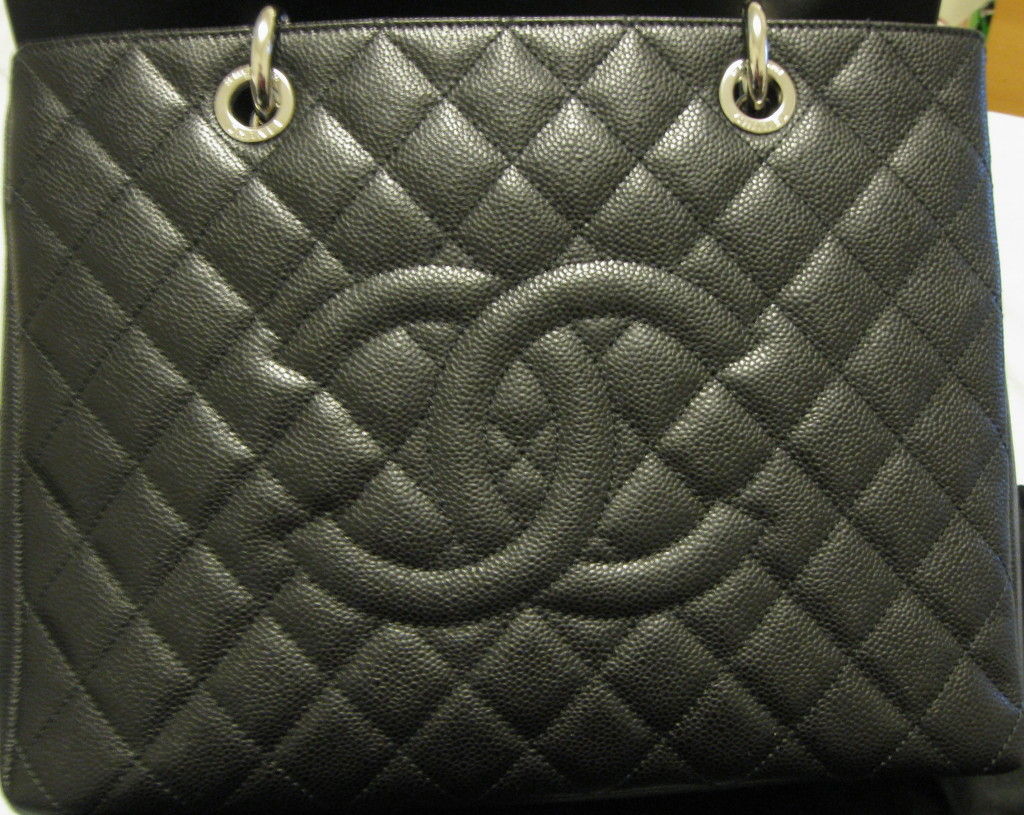 1cb2857a7bff Designer Handbag Bible » Authentic Vs Fake – Chanel Shopping Tote Bag